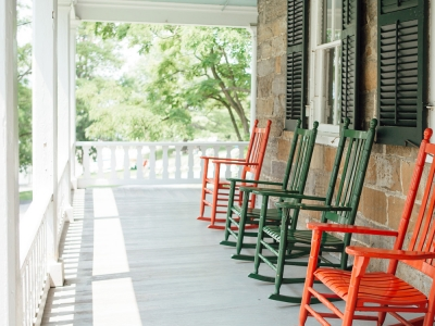 accommodations_homesteadporch25